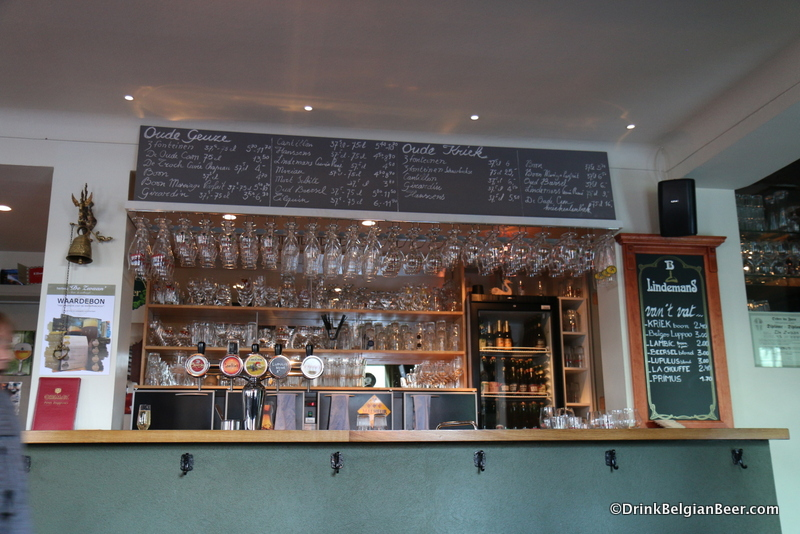 The bar at De Zwaan.