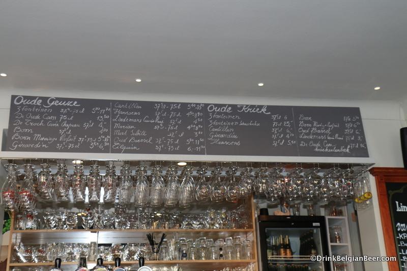 Bar close up at De Zwaan.