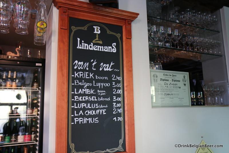 Beers on draft at De Zwaan.