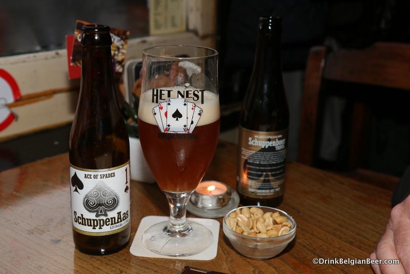 SchuppenAas, a fine brett-infused beer from Hobbybrouwers Het Nest, at Cafe De Penge.