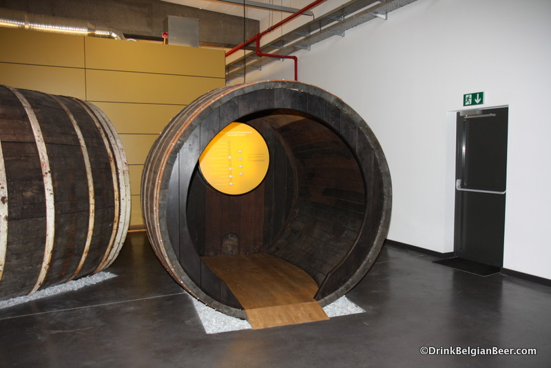 An interactive foeder  (a very large barrel) at De Lambiek.