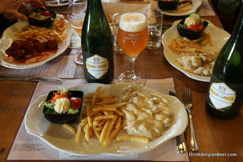 Vol-Au-Vent with frites and De Cam Oude Geuze at Volkscafe De Cam, Gooik.