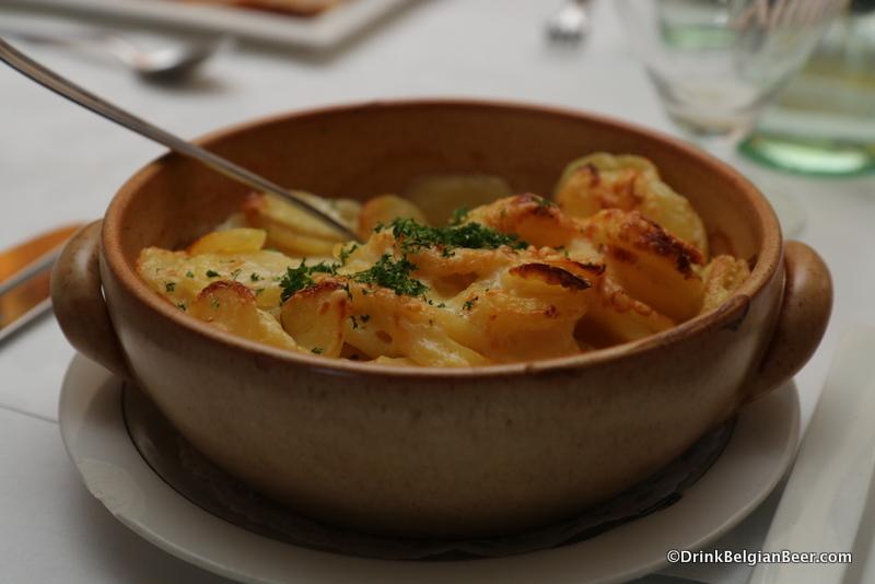 A side dish of potatoes au gratin. Excellent.
