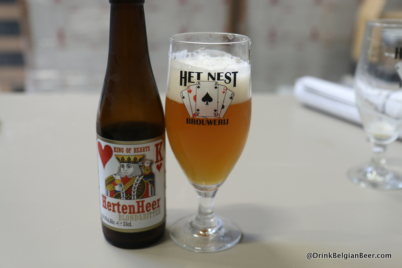 Het Nest Blond and Bitter.