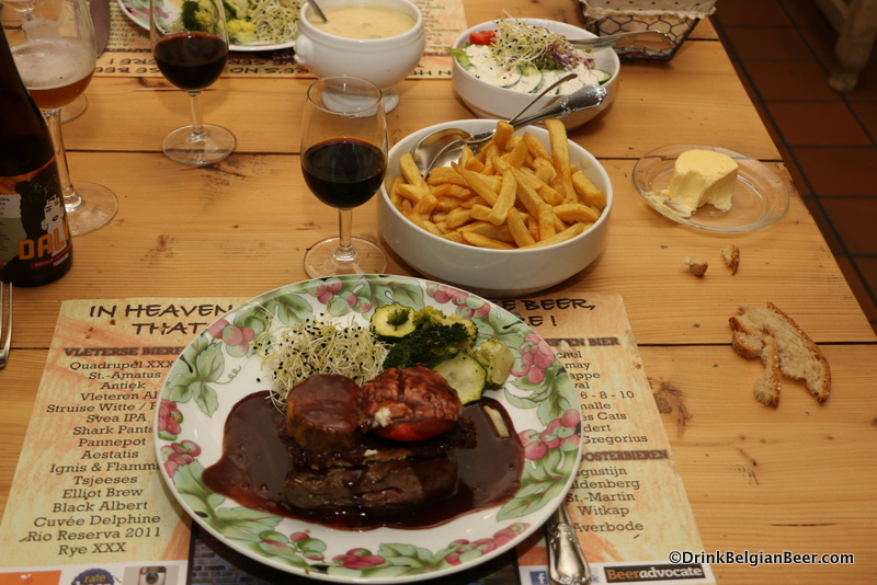 Steak Westhoek, topped with rich foie gras. An amazing dish, and for only 21.5 euro. Fantastic!