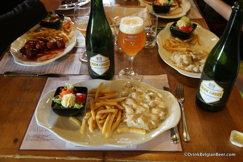 De Cam Oude Geuze paired with a fine meal at Volkscafe De Cam, across from the blendery.