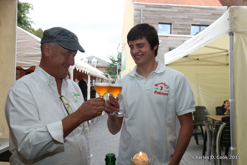 Armand Debelder, left, and Michaël Blancquaert savoring Zenne y Frontera during the brewery's open beer days in September 2015.