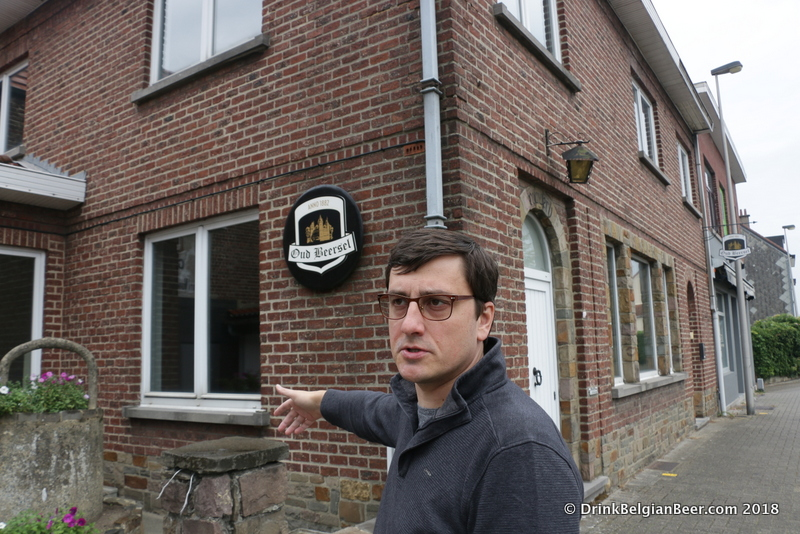 Gert Christiaens talks about the house of former Oud Beersel brewer/owner, Henri Vandervelden.