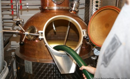 Distilling a Bokkereyder fruit slush at Stokerij Vanderlinden, Hasselt