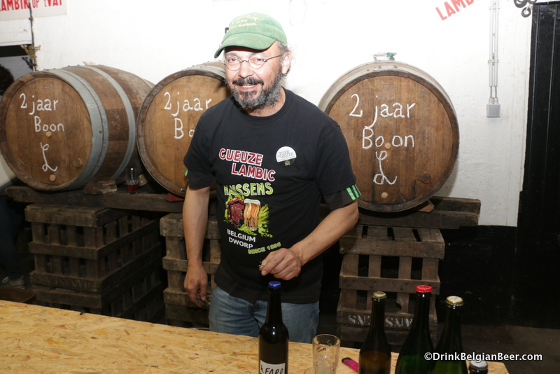 "Ulrich ""Uli"" Kremer, creator of the H. Ertie blends, working serving lambics at Hanssens during Toer de Geuze 2017."