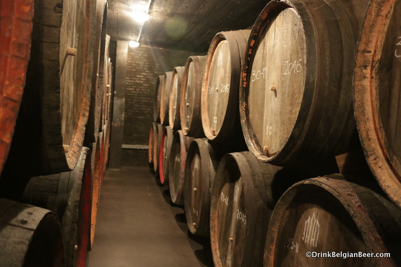 A row of smaller barrels at Oud Beersel in 2017, during Toer de Geuze.