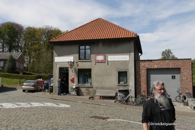 In de Verzekering tegen de Grote Dorst, Eizeringen, Belgium.